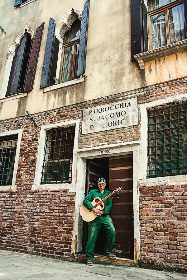Reportagefotografie-Gitarrenbauer-Venedighaus