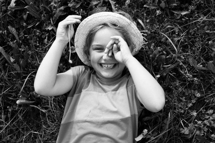 Kindefoto schwarz weiß